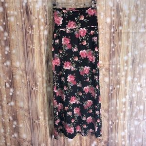 Long maxi skirt black floral